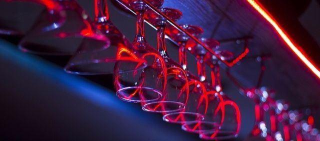 Drinkglasenär redo för en utekväll i Marbella