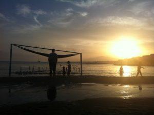Solnedgång över stranden i Marbella