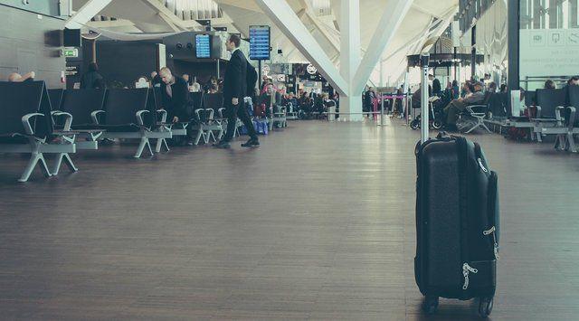 Väska på Malaga Flygplats